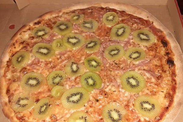 Article image for 'I'm lost for words': Award-winning chef reacts to kiwifruit pizza