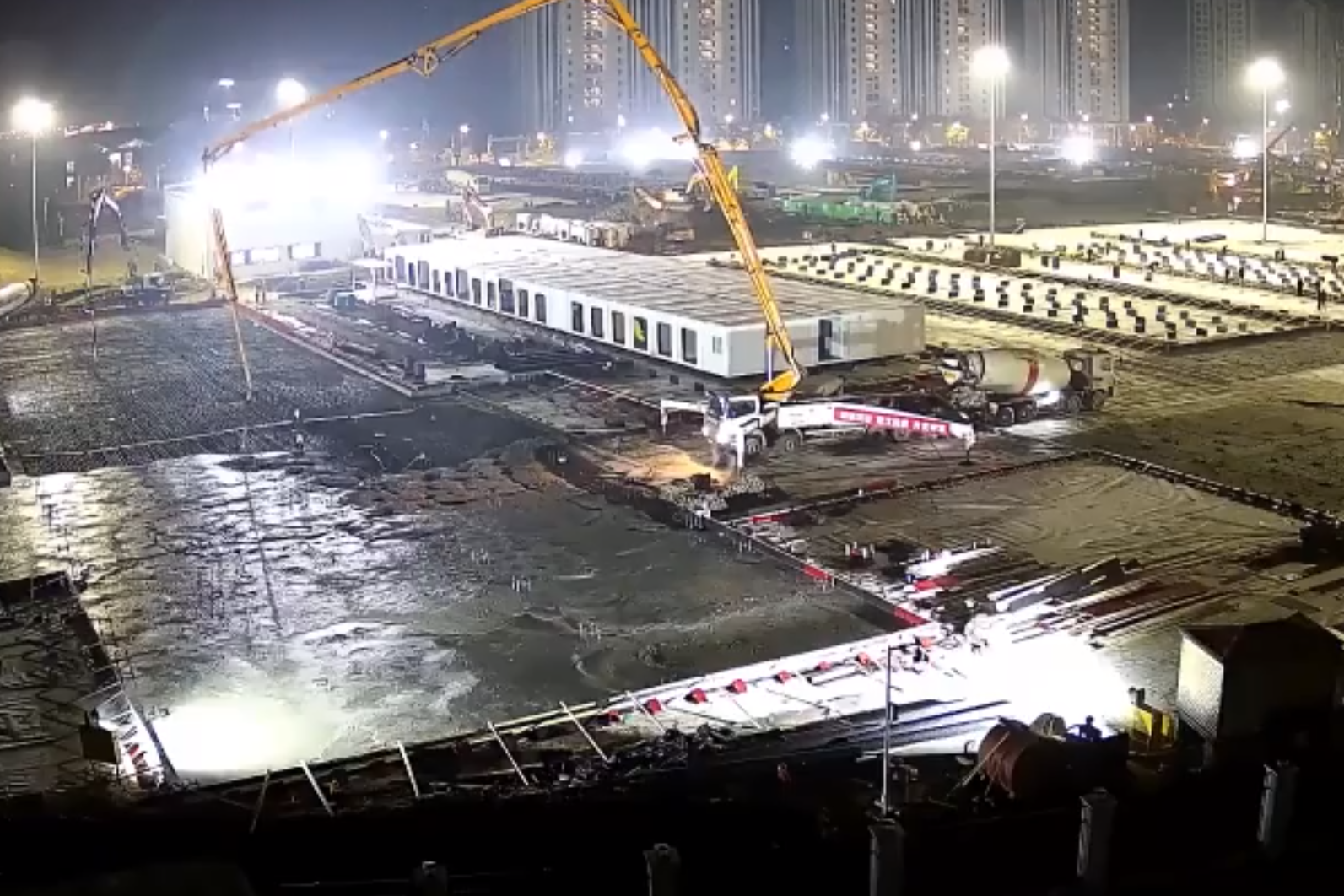 Article image for Watch as two Wuhan hospitals are built in just two weeks