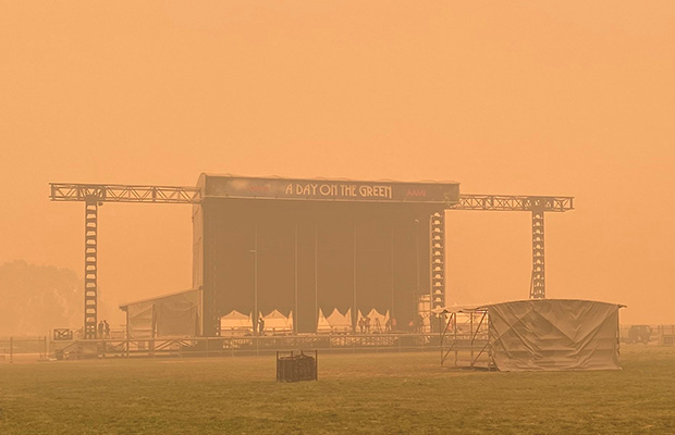 Article image for Cold Chisel's Day On The Green Rutherglen concert cancelled due to bushfire smoke