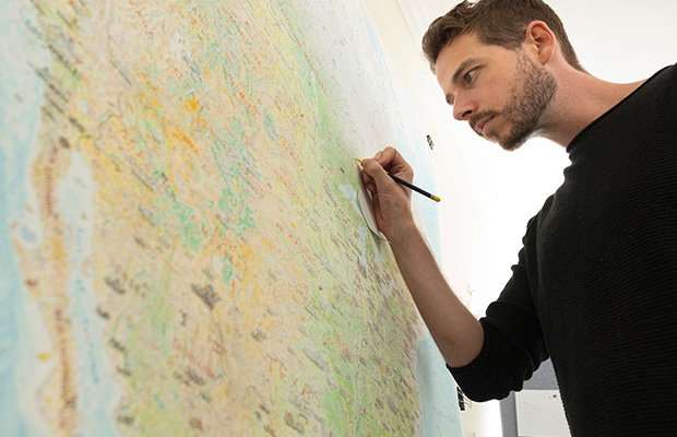 Article image for Why this Melbourne man has drawn a massive freehand map of North America