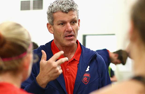 Article image for Former footballer calls for AFL to enforce mandatory concussion breaks