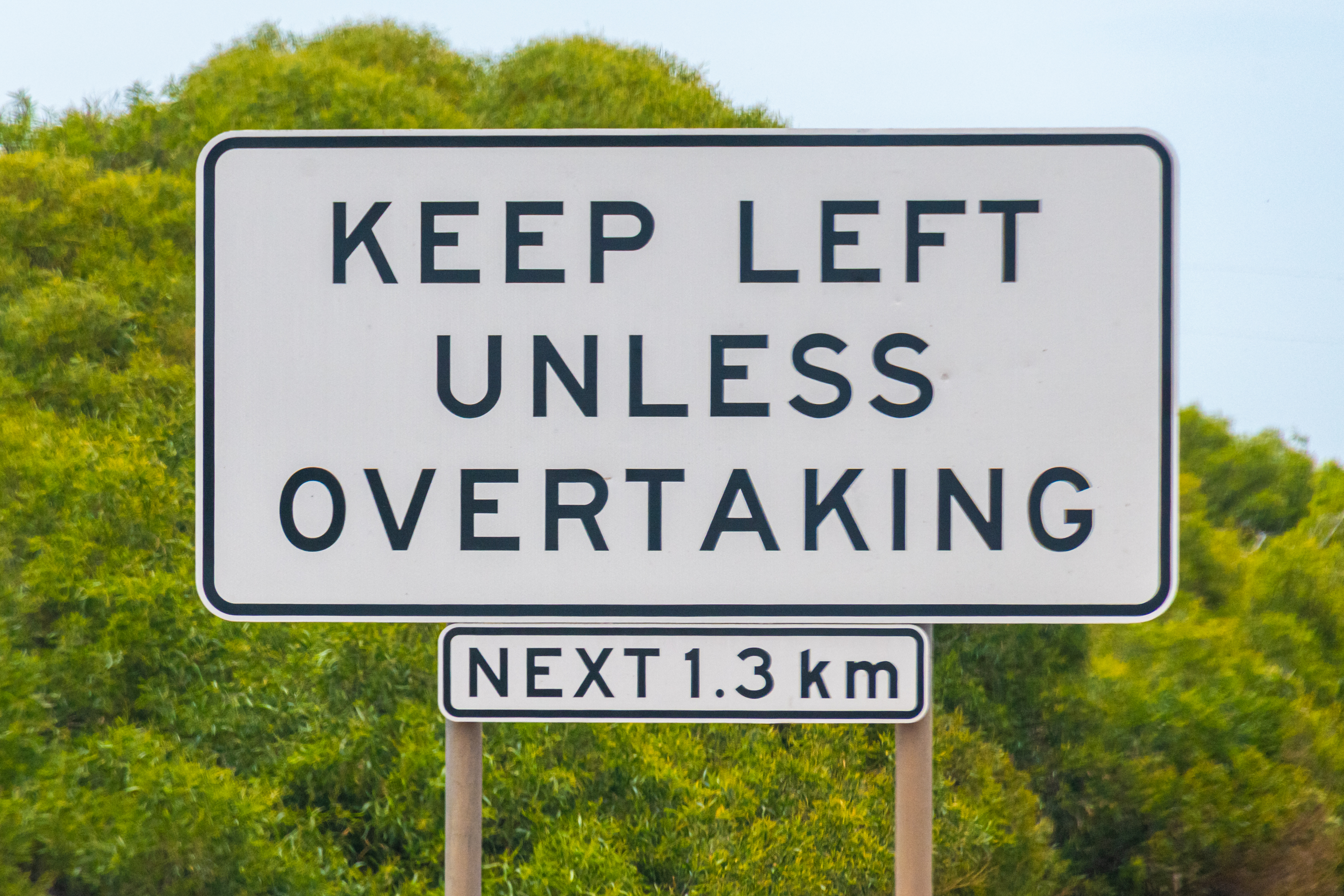 Article image for Push for speed limits to be scrapped while overtaking in Victoria