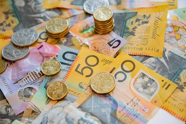 Article image for Australians shouldn't be 'overly concerned' about government debt, report says