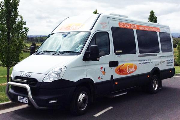Article image for Pakenham bus operator helps the elderly get to the supermarket amid coronavirus panic