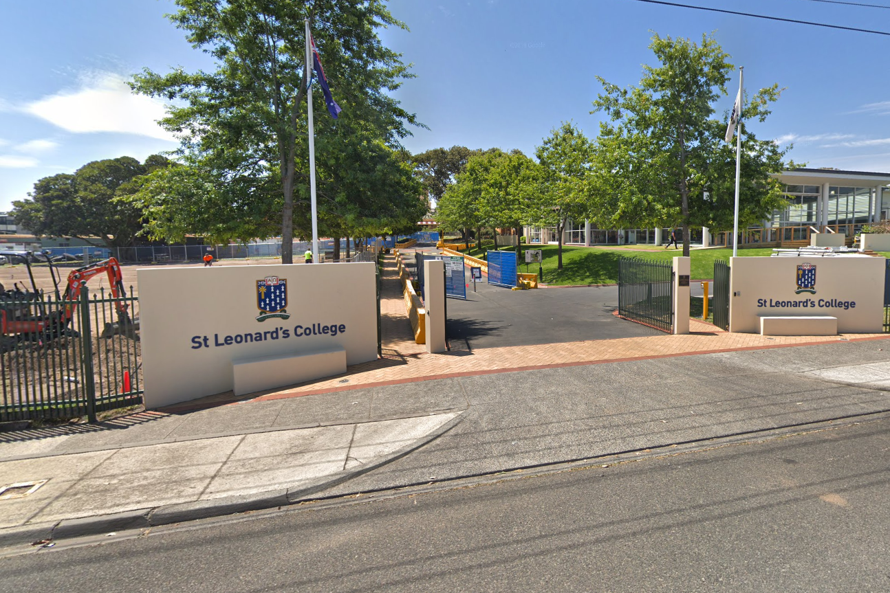 Article image for Latest COVID-19 figures: School construction site shut down after worker tests positive