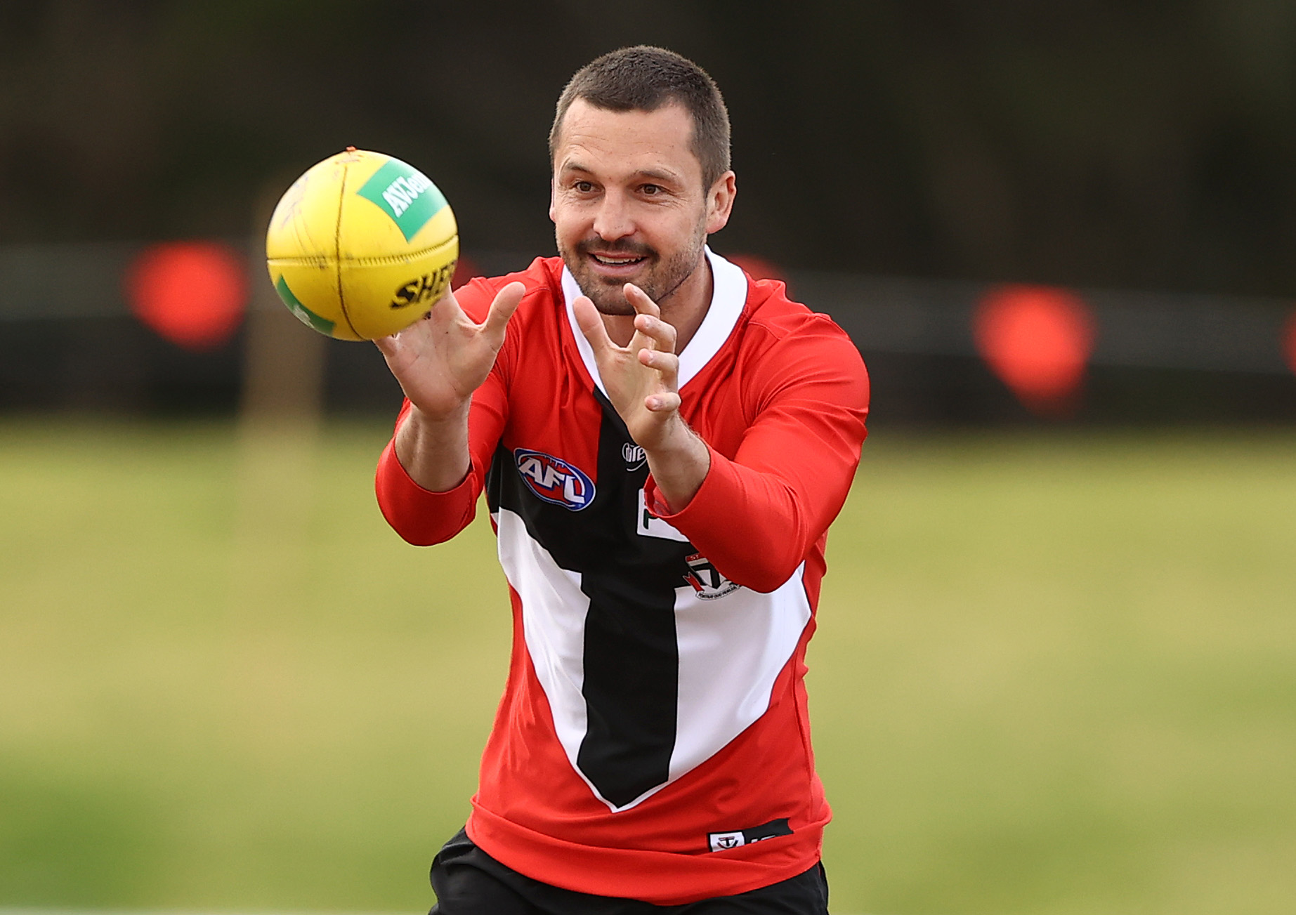 Article image for St Kilda skipper to miss crunch clash with Collingwood