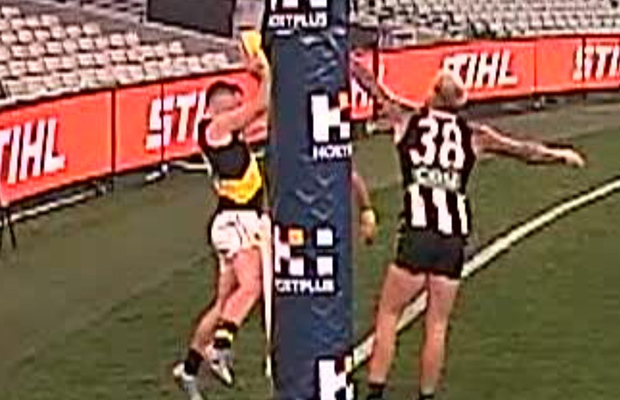 Article image for AFL boss gives his verdict on the score review controversy