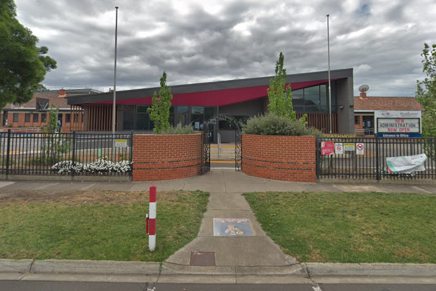 Article image for Latest COVID-19 figures: School closed as two Melbourne clusters grow