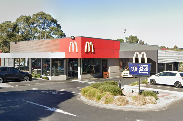 Article image for McDonald's in Melbourne's north closed after worker tests positive to COVID-19