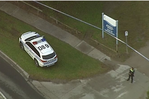 Article image for Cranbourne primary school closed after body found in car park