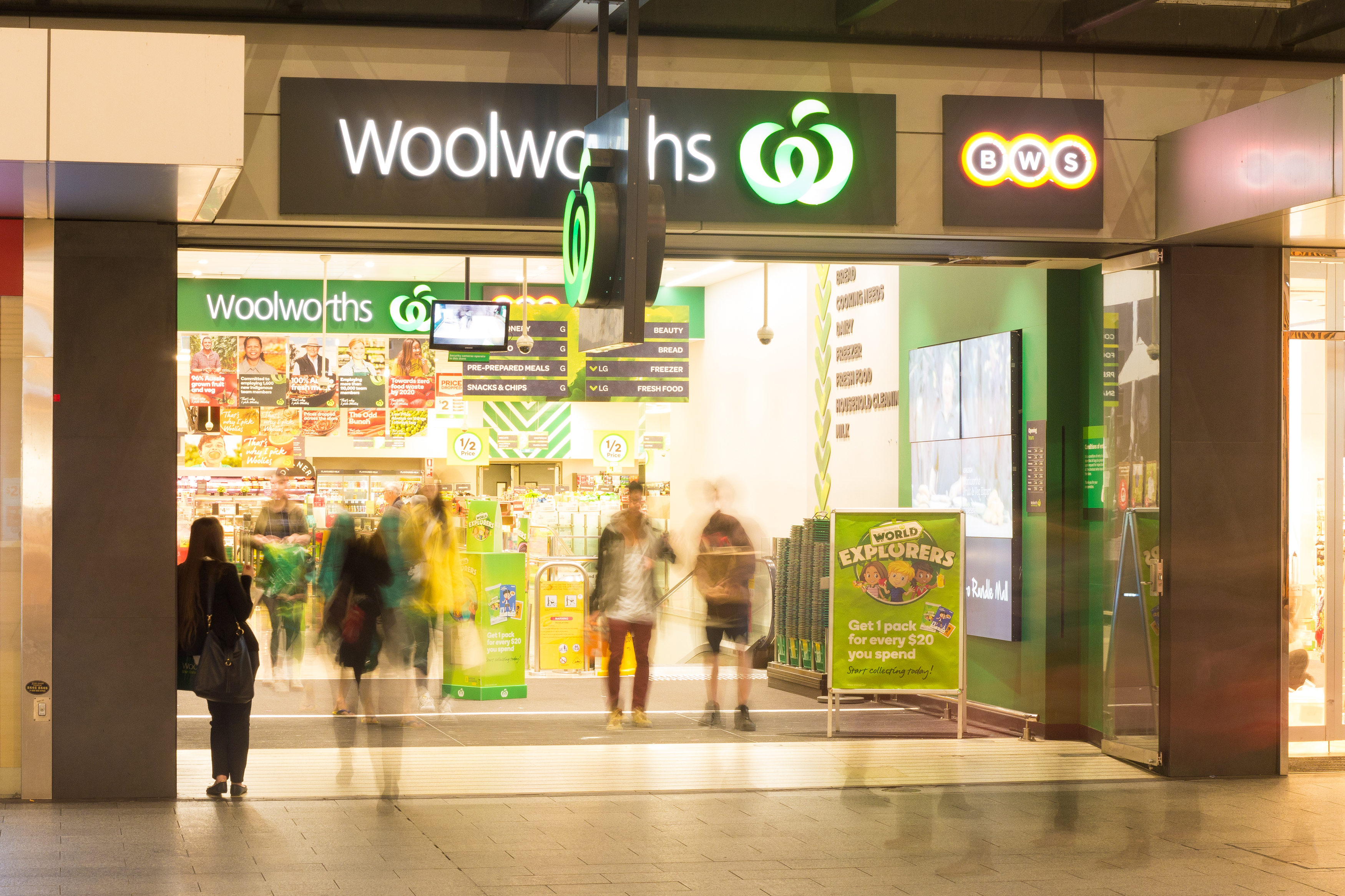 Article image for Woolworths ditches purchase limits on most items as panic buying subsides