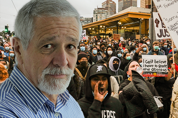 Article image for 'Set an example': Neil Mitchell's message to protesting politicians
