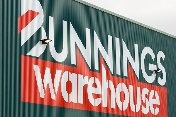 Article image for Bunnings to fork out half a million dollars in gift cards after bungled police offer