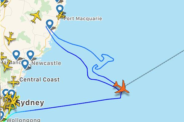 Last Qantas 747 flight 'draws' iconic kangaroo over Pacific Ocean