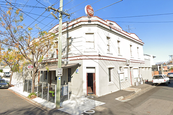 Article image for Two much-loved pubs in Melbourne's west shut permanently