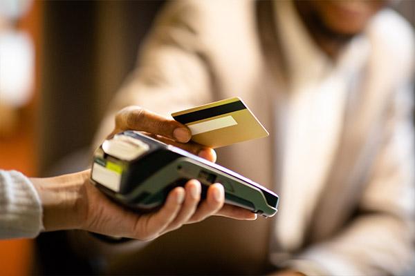 Article image for Eftpos minimum spend is legal says Consumer Campaigner