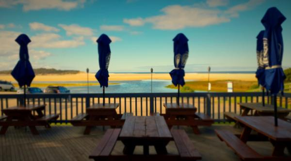 Popular seaside pub desperate for chefs ahead of summer boom