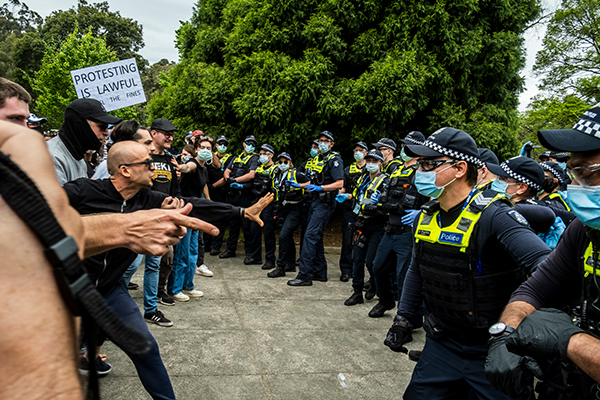 Article image for Police forced to defend key tactic used against anti-lockdown protesters