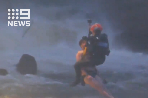 Article image for Swimmers rescued from Yarra River in dramatic fashion