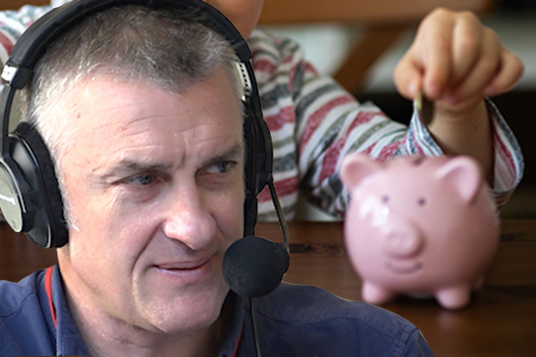 Article image for Why Tom Elliott thinks Victoria's school banking ban is 'short-sighted'