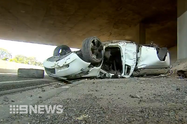 Article image for Man fights for life following high-speed crash on Monash Freeway