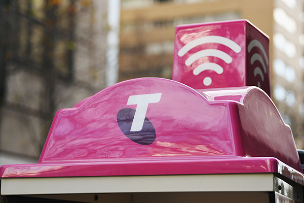 'A lot of stress' | Family frustrated as Telstra cuts elderly woman's phone lines