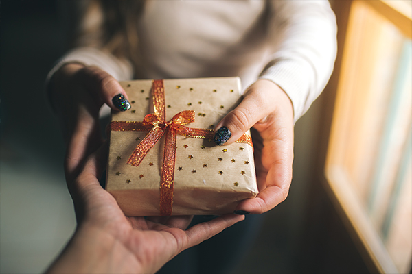 Article image for Psychology of gift-giving: What to consider when choosing a present