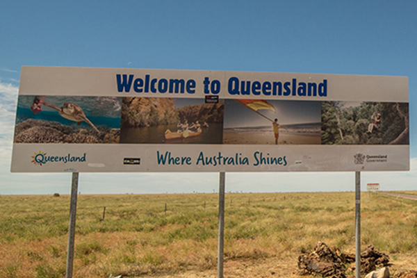 Article image for Queensland border reopens to Victorians for the first time since July
