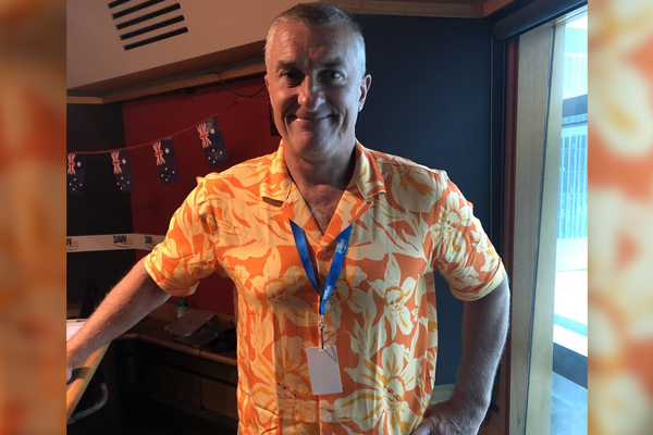 Article image for Why Tom Elliott's shirt caught Dee Dee's attention!