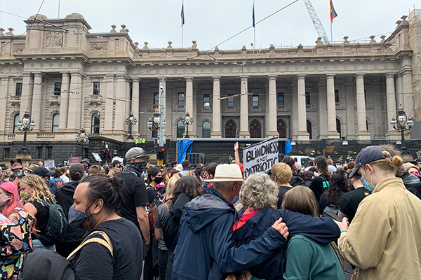 Article image for Police praise 'Invasion Day' protesters in CBD