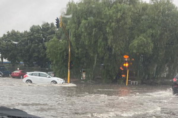 Article image for More than 500 SES calls made as Victoria cops massive drenching