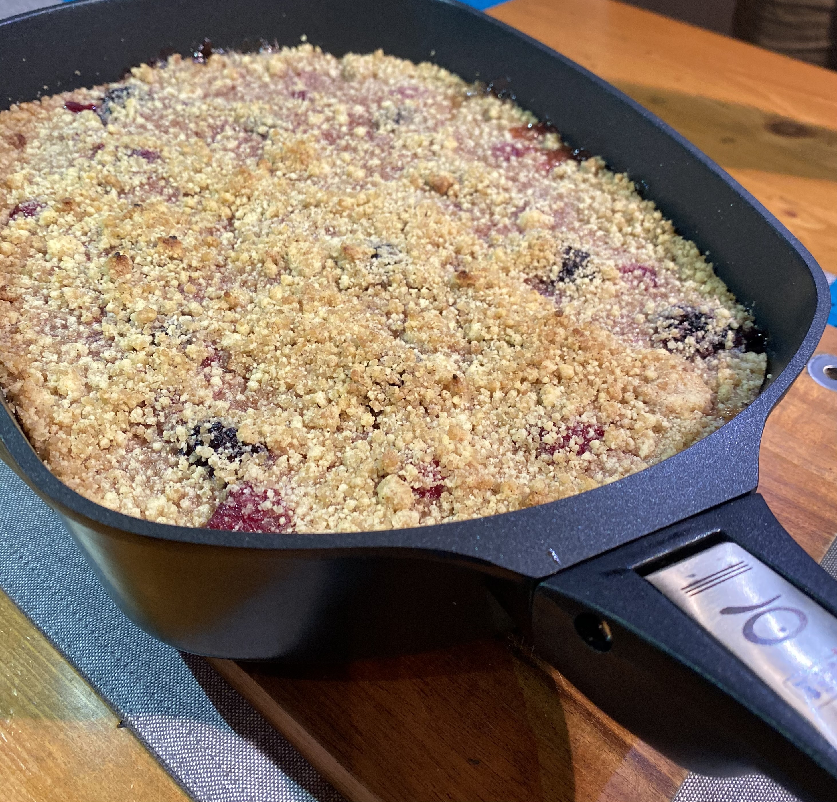 Article image for Geoff Maddern's recipe for apple and mixed berry crumble