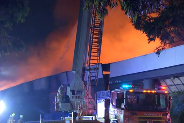 Article image for Massive fire destroys two factories in Melbourne's south-east