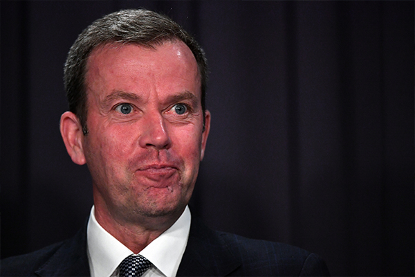 Article image for Federal Minister says the Andrews government must order public servants back into the office