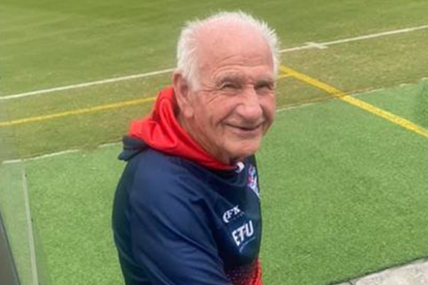 Article image for Port Melbourne Football Club icon returns for his 72nd consecutive year
