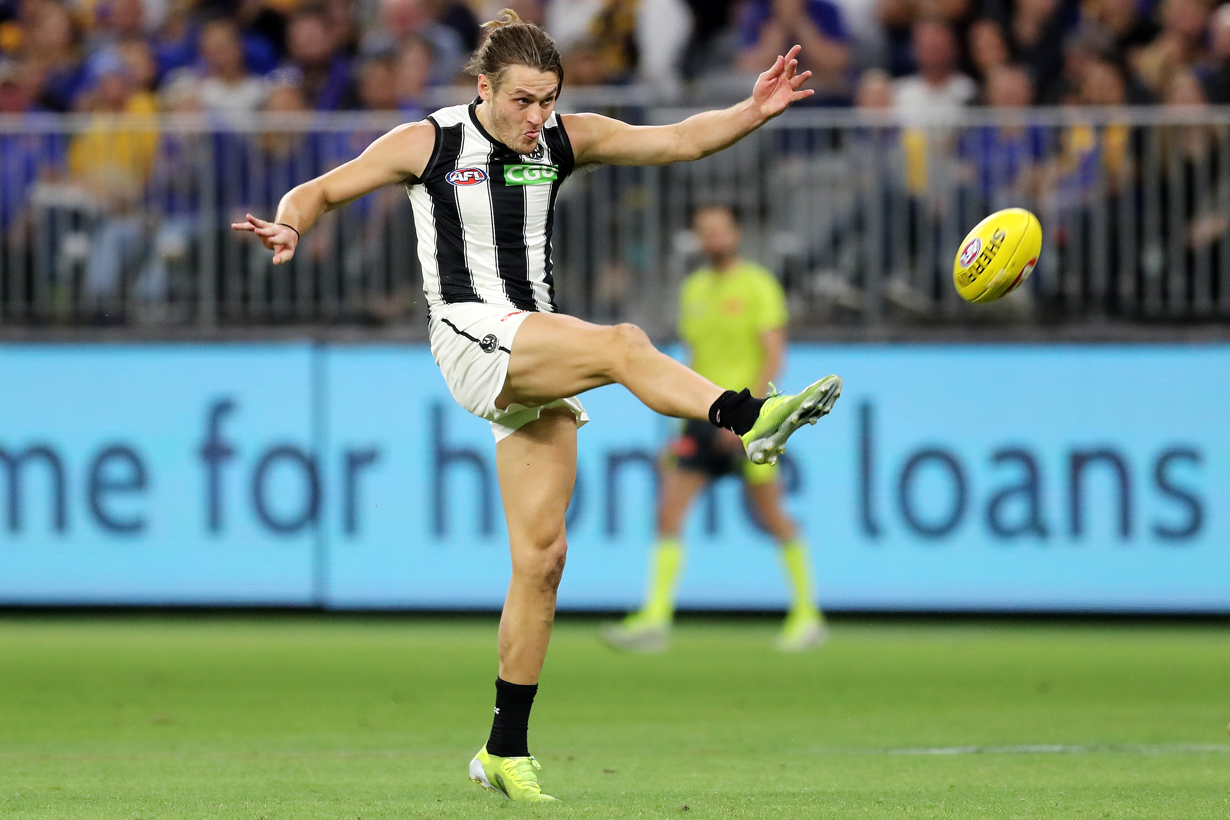 Article image for 'It may well have lost them the game': Leigh Matthews on Darcy Moore playing forward