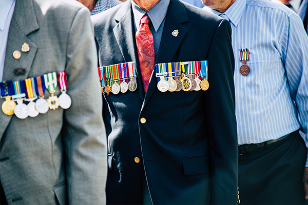 Article image for New Defence Minister calls on health authorities to review Anzac Day crowd limits