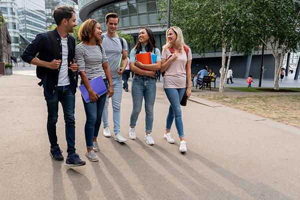 Article image for Universities push for 'Australian Open style' quarantine program for international students
