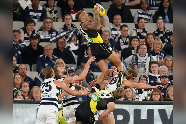 Article image for The OTHER time Pies fans voted in massive numbers to get their man over the line