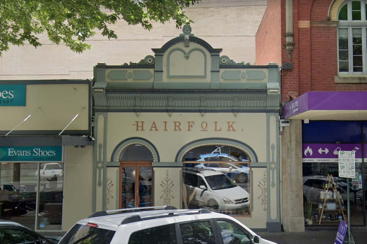 Article image for Bendigo on high alert after positive COVID-19 case visits hair salon