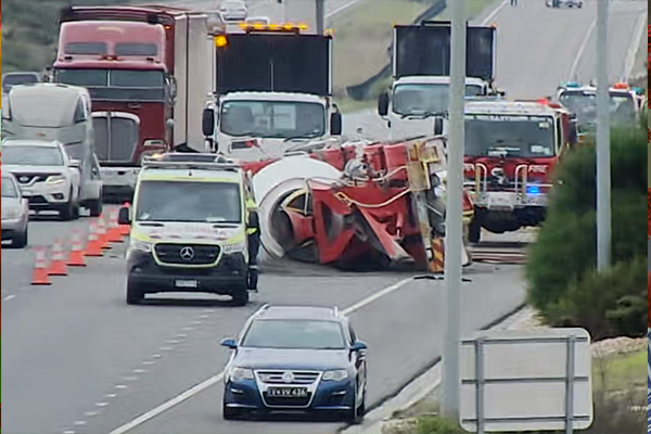 Article image for 'A real mess': Concrete truck rollover closes Peninsula Link south-bound