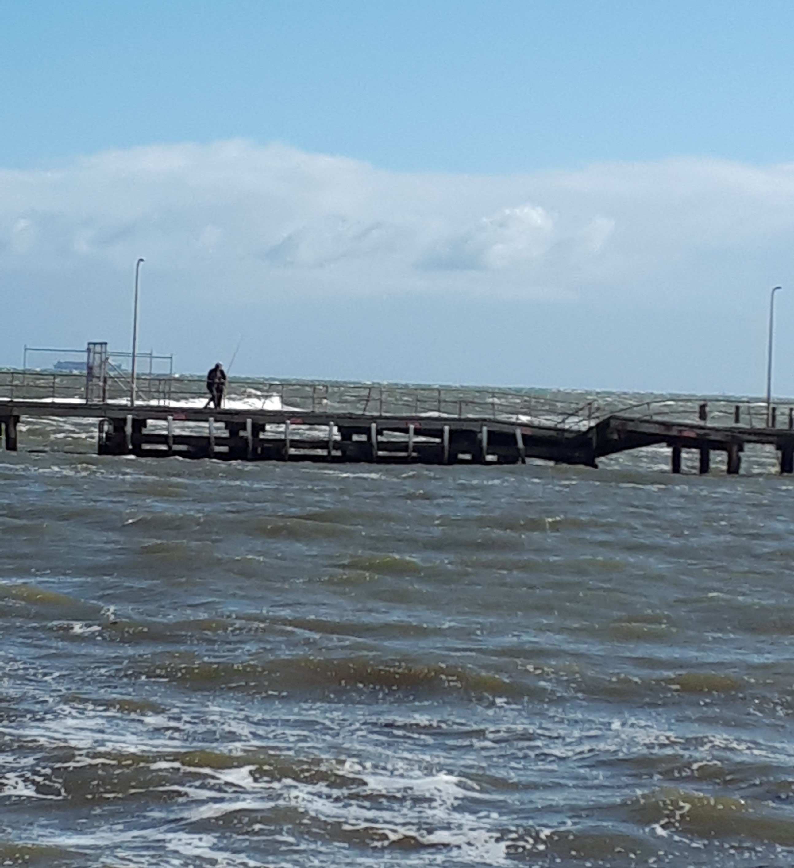 Half Moon Bay pier partially collapsed