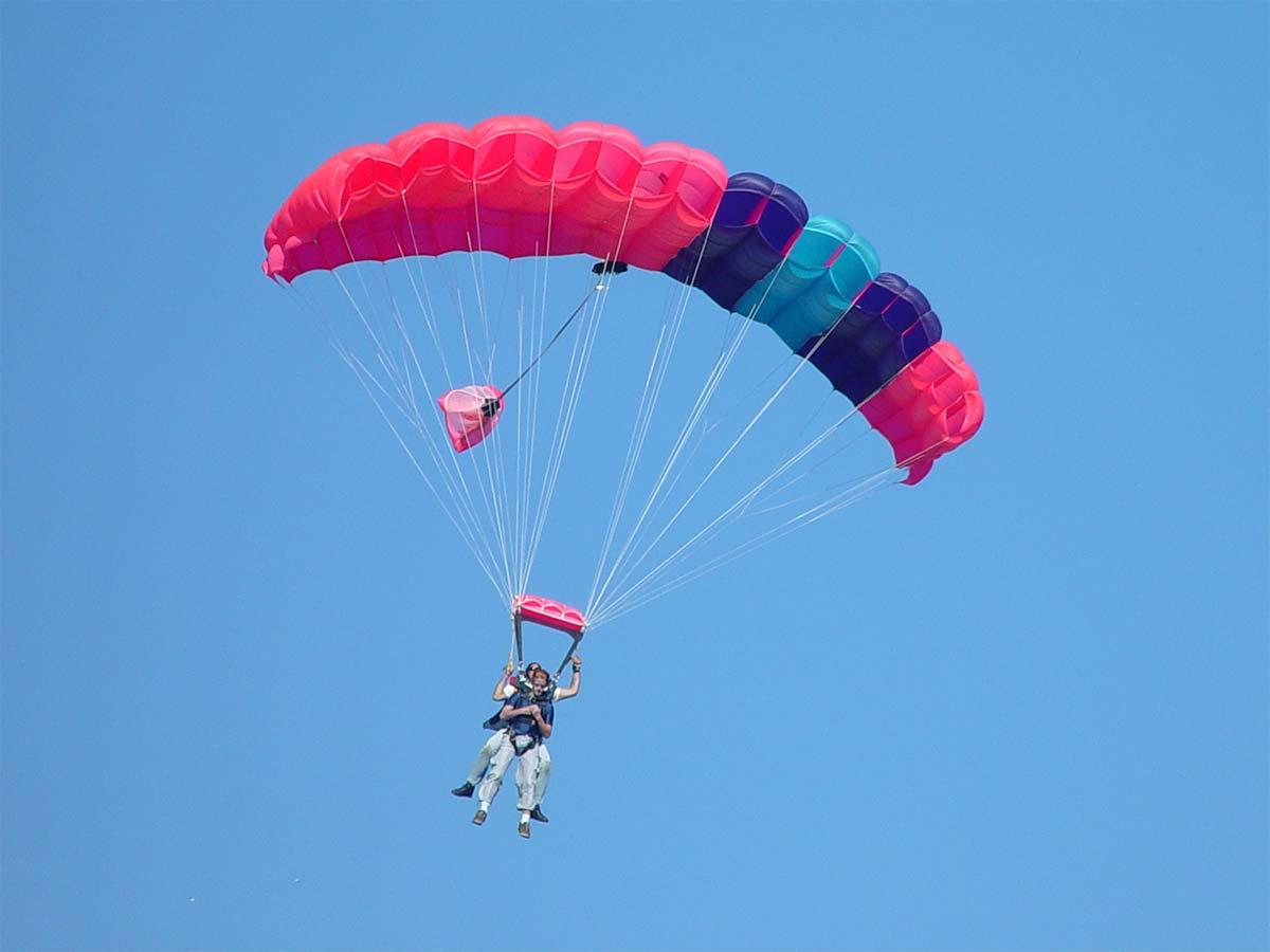 Tandem parachute sky diving