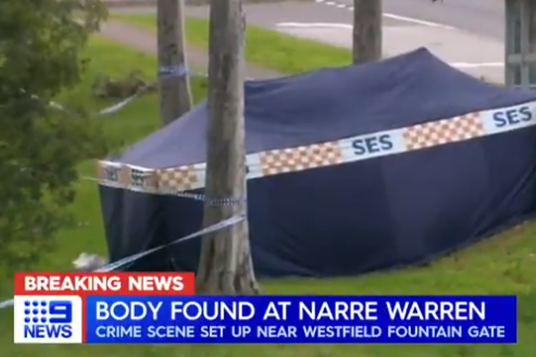 Man's body found on side of road in Melbourne's south-east