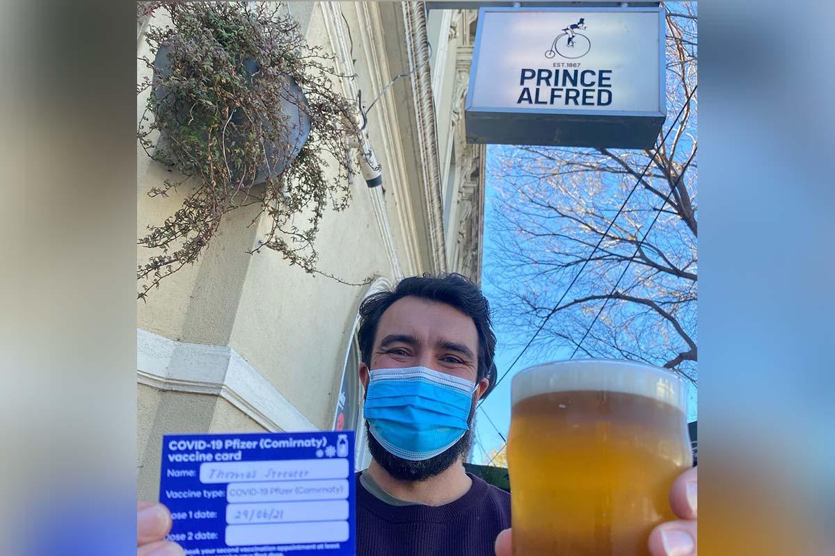 Article image for Scott Morrison backs Melbourne pub after TGA bans its creative idea to encourage COVID jabs