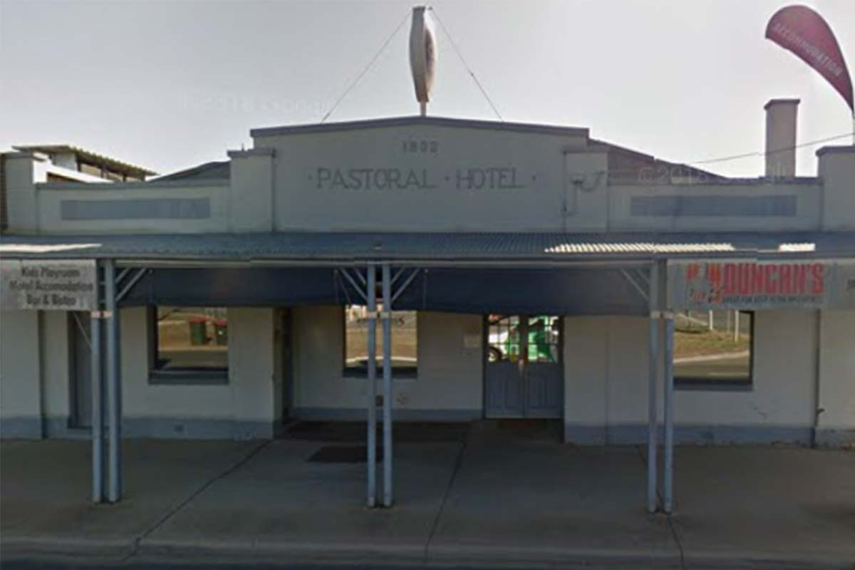 Article image for Echuca publican could be locked up if he breaches COVID restrictions again