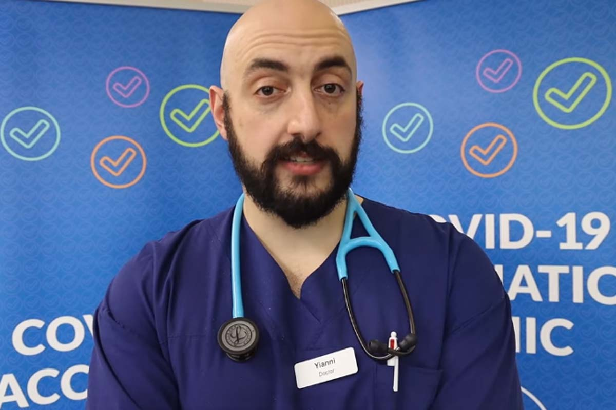 Article image for Doctor who spent time in ICU with COVID-19 urges Victorians to get vaccinated