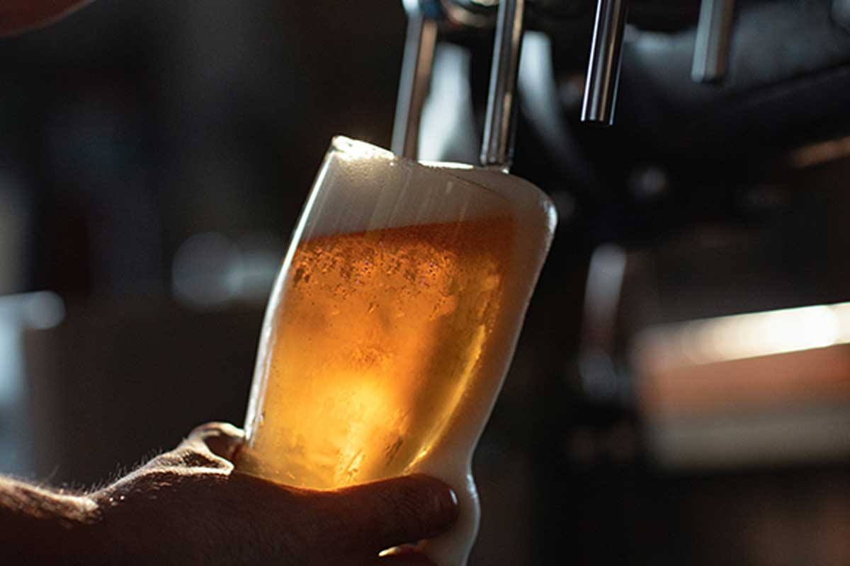 Article image for Man who visited every pub along the Murray River reveals the telltale sign of a bad pub