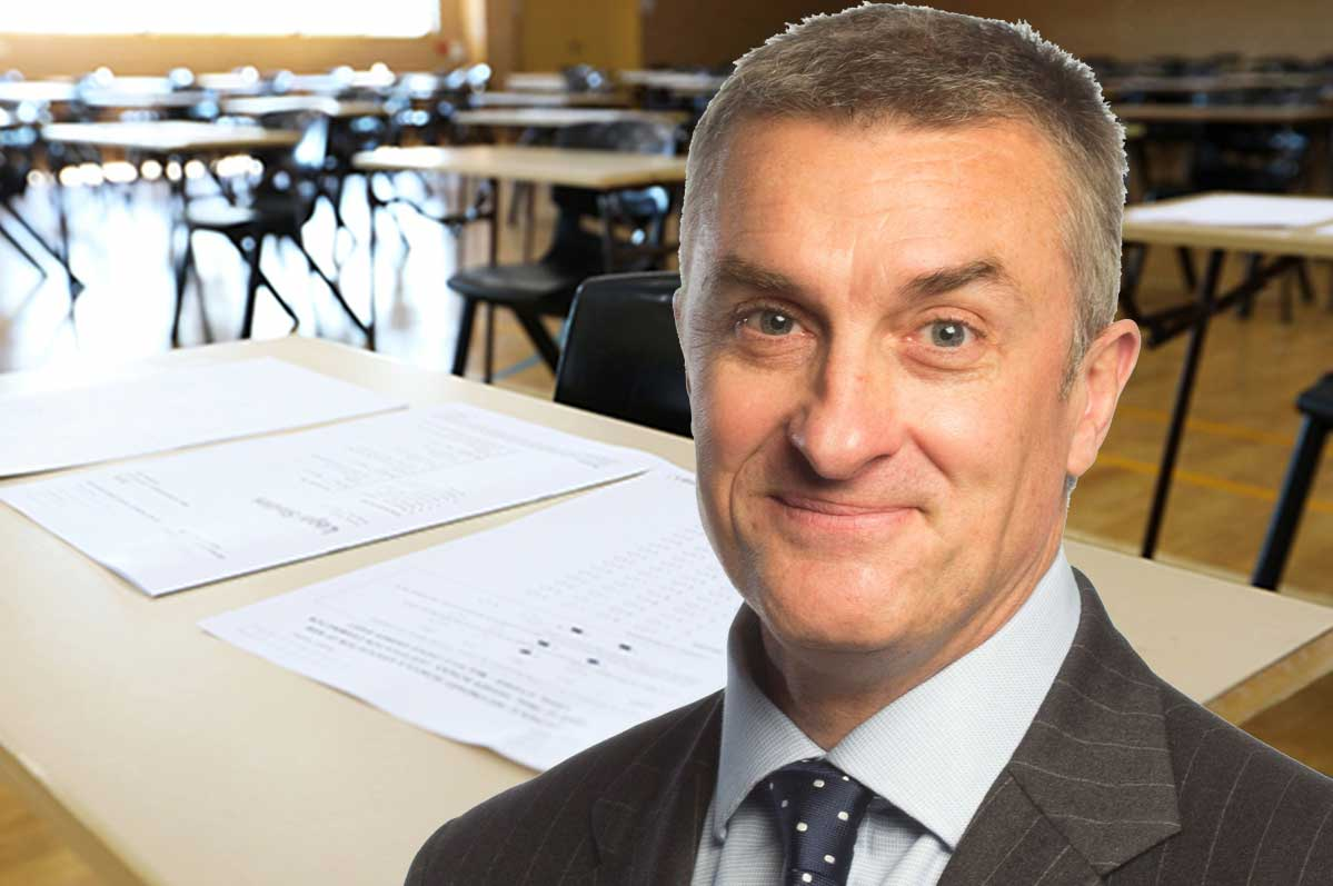 Article image for Tom Elliott points out the flaw in the government giving 'special consideration' to every VCE student