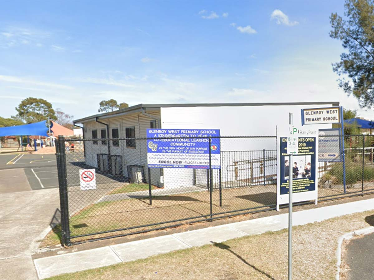 Article image for At least 50 families forced into another fortnight of quarantine after teacher refuses COVID test